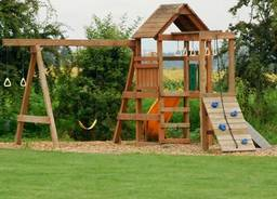 Garden play equipment: create an imaginative world in your backyard