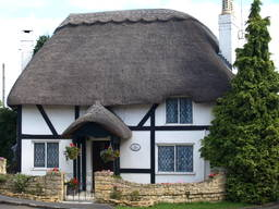 Thatching: types of thatching and thatching safety