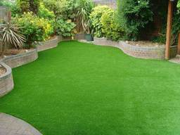 The benefits of using natural grass for your garden