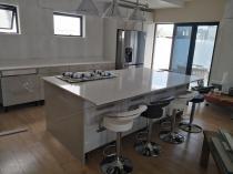 20 % Viscon White Quartz stone Bellville CBD Kitchen Cupboards & Countertops 2 _small