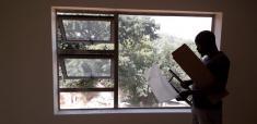 ALUMINIUM DOORS AND WINDOWS Windsor Handyman Services 4 _small