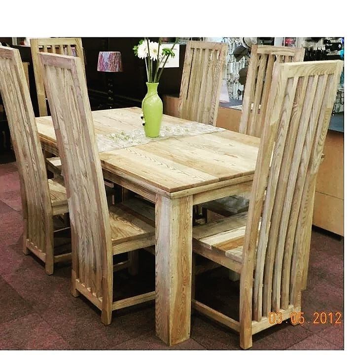 American Ash 6 seater dining set,also in 8 seater