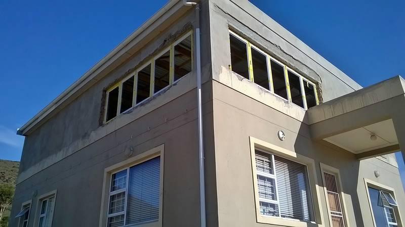 Sliding folding aluminium windows
