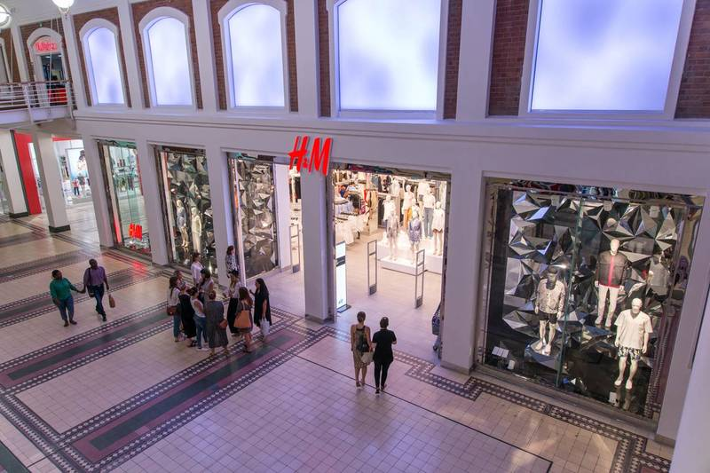 Retail shopfitting for H&M in the Waterfront