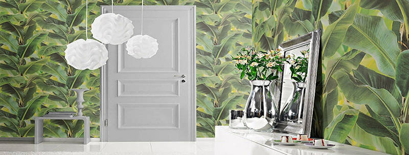 Lush and Tropical Wallpaper