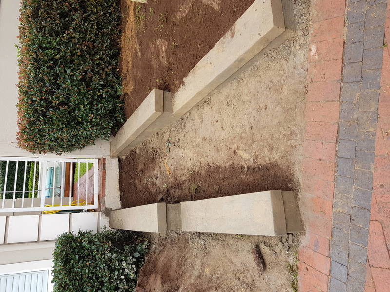 Building small retaining walls