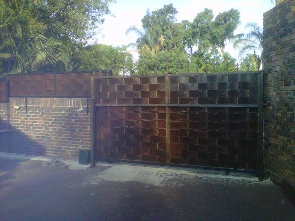 Modern gates & panels