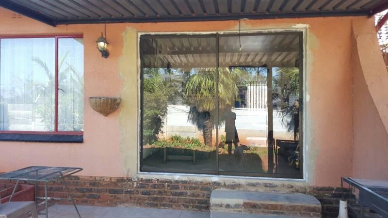 Sliding doors installation