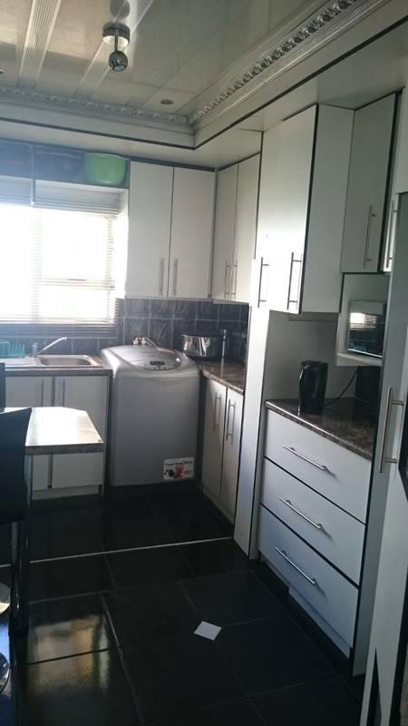 Ceiling contractors services in soweto homeimprovement4u for Kitchen installers gauteng