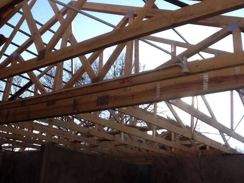 Timber trusses with speedbrace
