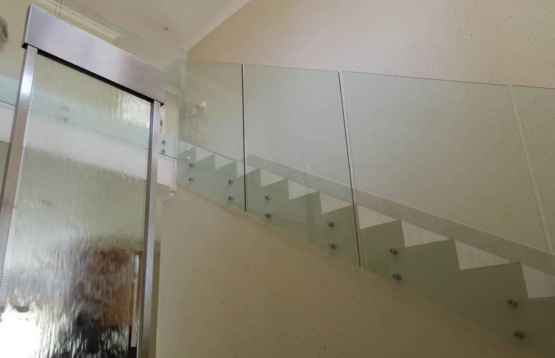 Floating Glass (side mount)