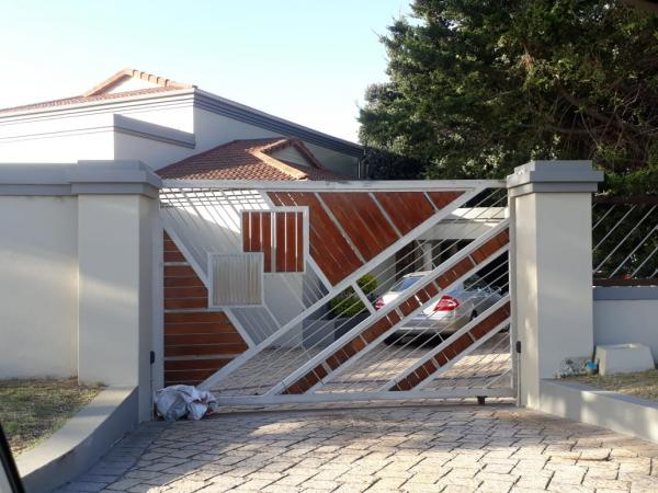 Free Estimates Die Voor Bay Palisade & Security Fencing _small