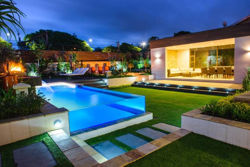 House Dawe Entertainment and Boma area, Glass Pool