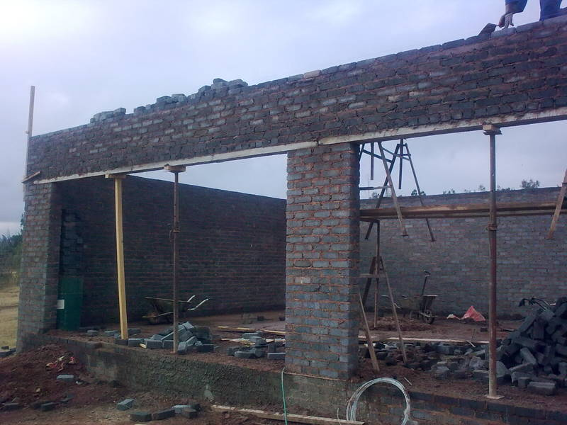 New double garage being built on a client's plot