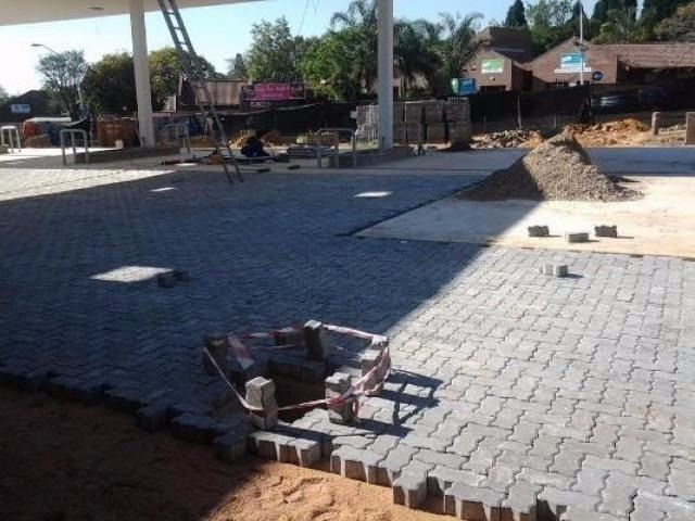 Industrial & Domestic Brick / Block Paving