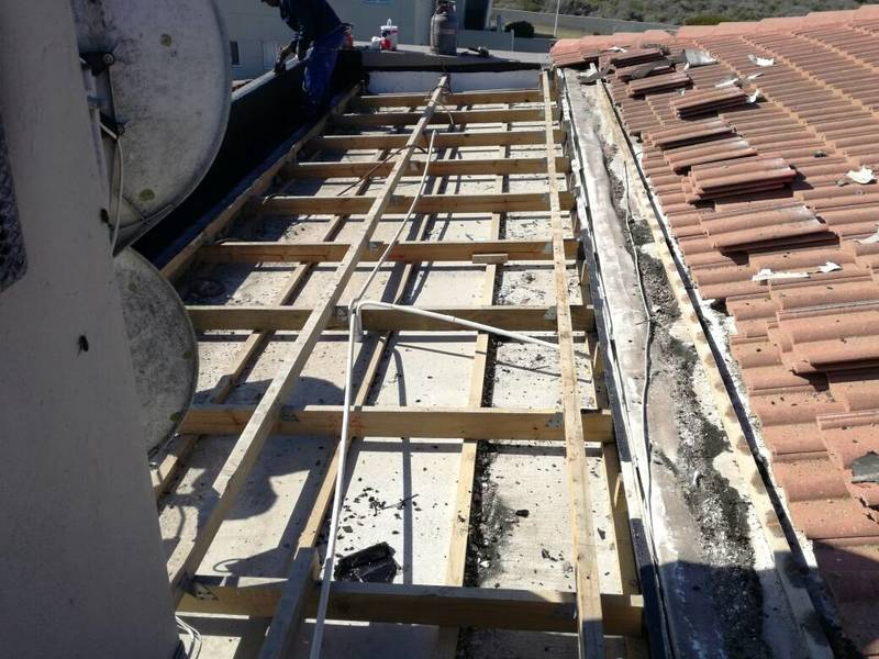 YZERFONTEIN - REMOVAL OF ROOF