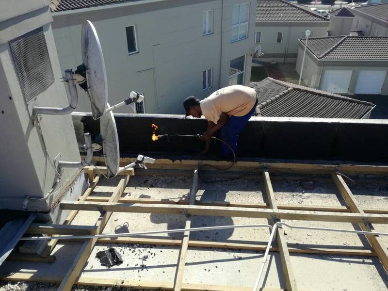 ROOF REMOVAL - YZERFONTEIN