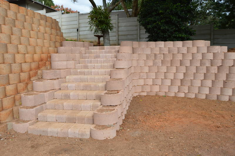 Incorporating steps with Terraforce retaining system